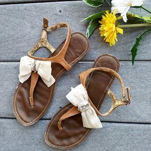 FERGALICIOUS Bow Sandals